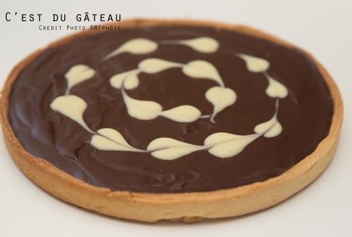 tarte au chocolat d 233 co cœurs en chocolat blanc c est du g 226 teau